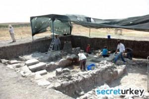 balikesir-daskyleion-antik-kenti-turizme-kazandirilacak-IHA-20120811AW000564-3-t copy
