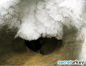 Buz Magaralari 300x233 Erzincannın Neyi Meşhur