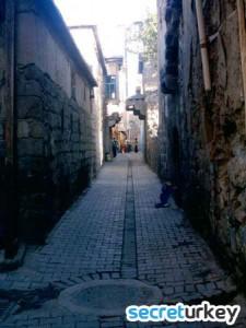 Diyarbakir Sokaklari 225x300 Diyarbakırın Neyi Meşhur