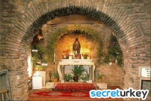 Meryem Ana Kilisesi 300x202 Diyarbakırın Neyi Meşhur