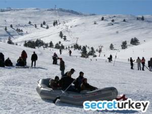 yildirim Akbulut Kayak Tesisleri 300x225 Erzincannın Neyi Meşhur