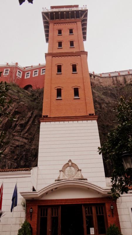 izmir-tarihi-asansor-hakkinda-bilgi-7
